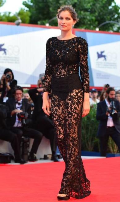 Com um dos rostos mais bonitos de toda a França, Laetitia Casta, de 35 anos, é uma das modelos mais bem-sucedidas do país. Rosto da gigante de cosméticos L´óreal, Laetitia hoje arrisca passos no cinema já tendo contracenado com o veterano Gérard Depardieu GABRIEL BOUYS / AFP