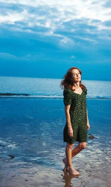 A atriz Isabelle Huppert, de 60 anos, que já trabalhou com os diretores Jean-Luc Godard, Marco Ferreri, Claude Chabrol e Andrzej Wajda, ainda encanta a todos por suas atuações impecáveis Divulgação