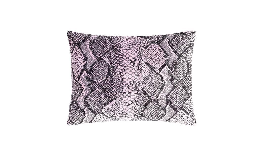 Almofada Designer's Guild na Empório Beraldin, R$ 581 (Nascimento Silva 330) Terceiro / Divulgação