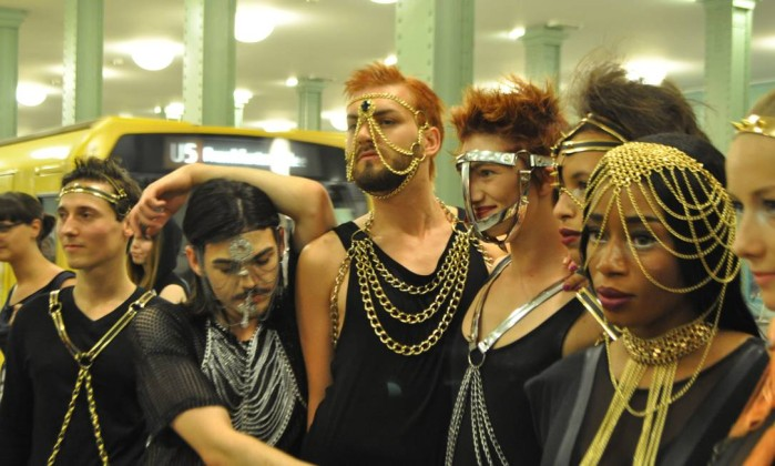 O desfile faz parte do evento 'Underground Catwalk', paralelo à semana de moda alemã Fernanda Baldioti/ O Globo
