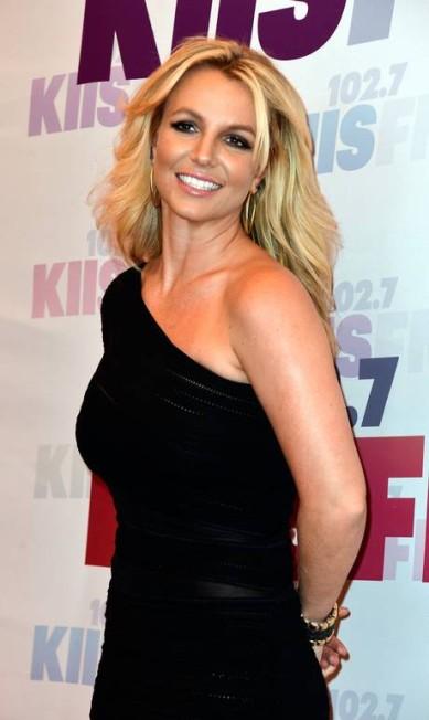 """Quando se apresentou no MTV Video Music Awards em 2001, Britney Spears deve ter passado maus bocados com a cobra que ela segurou na apresentação. O """"E Online"""" garante que ela tem pavor a qualquer réptil Frazer Harrison / AFP"""