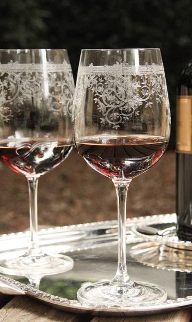 Taças para vinho lapidadas à mão Tania Bulhões (11 3087-0099), R$ 99 Divulgação