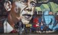 Grafite de Obama em Nairóbi: presidente americano é celebrado no Quênia