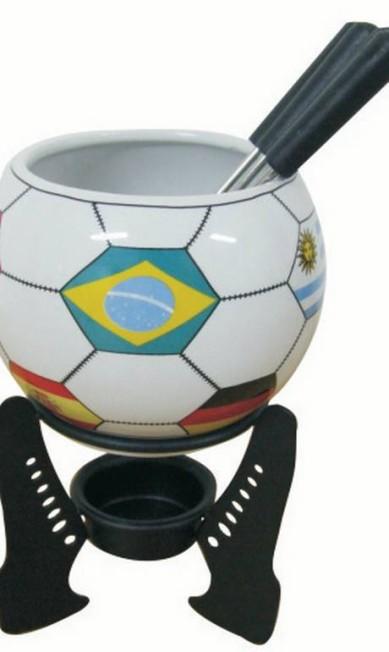 Aparelho para fondue Copa com seis peças da Roberto Simões (21 2274-6392), R$ 65 Divulgação
