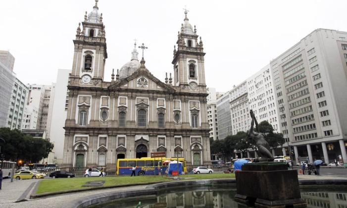 Na foto, o jardim em frente à Igreja da Candelária Foto: Gustavo Miranda / Agência O Globo