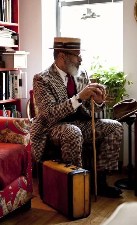 Ignacio Quiles em 2011. Blogueiro e dono de um brechó em Nova York, ele se autodefine como dândi urbano Foto: Bill Gentle/ Backyard Bill / Divulgação