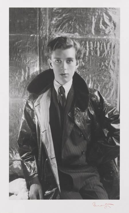 O aristocrata Stephen Tennant em 1927. O britânico era conhecido por seu estilo de vida decadente Foto: Cecil Beaton/RISD Museum / Divulgação