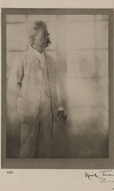 Mark Twain em 1908. Autor de 'As aventuras de Tom Sawyer' foi uma das maiores personalidades dos Estados Unidos e não escondia sua preocupação com o visual Alvin Langdon Coburn/RISD Museum / Divulgação