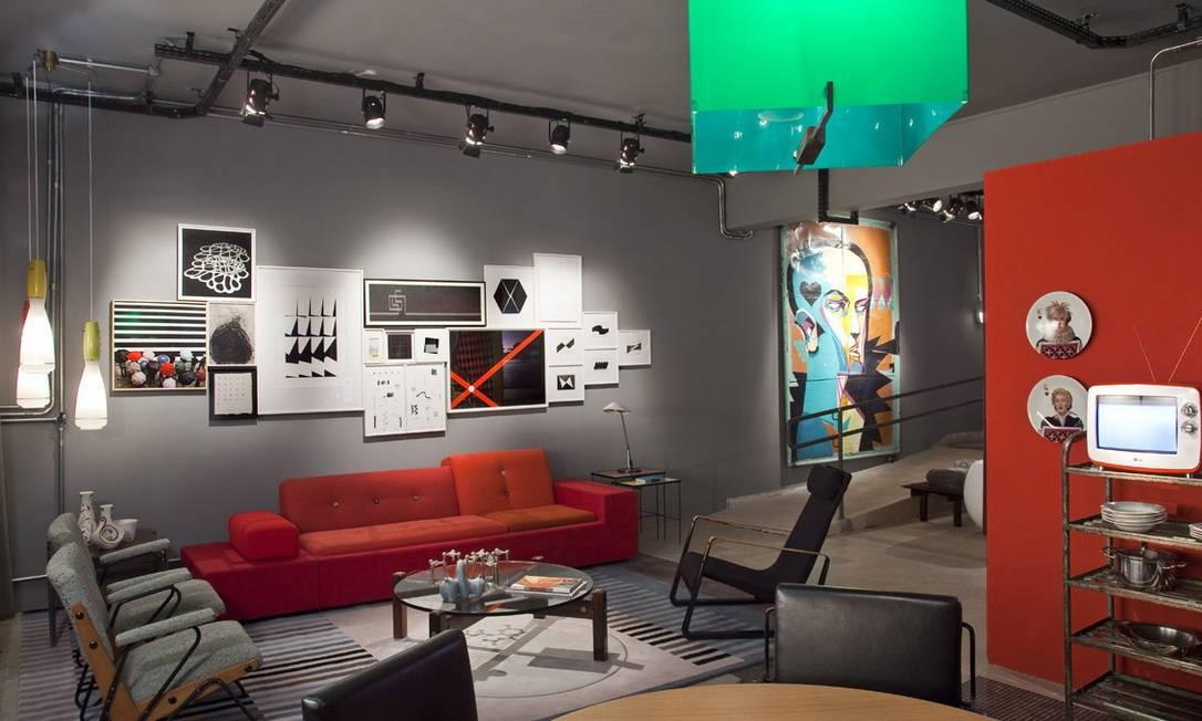 Os anos 1950 se misturam ao conceito industrial no loft de Antonio Ferreira Junior e Mario Celso Bernardes Terceiro / Divulgação
