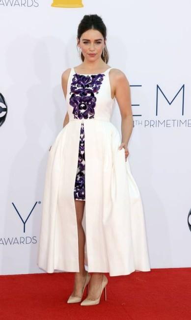 """A inglesa Emilia Clarke, da série """"Game of Thrones"""", ganhou a eleição de """"importação mais sexy"""". Sua eleitora? Karlie Kloss! Matt Sayles / MATT SAYLES/INVISION/AP"""