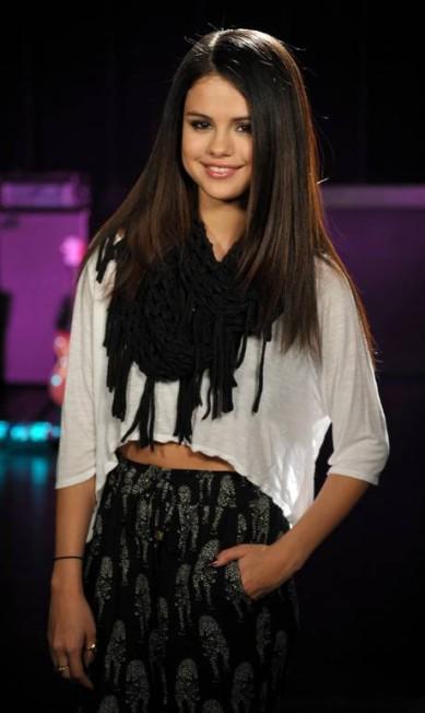 Com a medalha de prata, outra musa teen: Selena Gomez. A ex-namorada de Justin Bieber encantou os leitores da revista, responsáveis por escolher o top 100 John Shearer / Invision for MTV