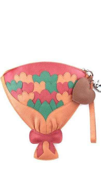 Para as noivas moderninhas e que querem levar uma bolsinha, uma boa opção é este modelo de Sarah Chofakian à venda na Shop2gether (www.shop2gether.com.br), R$ 238 Divulgação