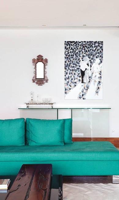 Em apartamento na Barra da Tijuca, no Rio, a arquiteta Eliane Fiuza apostou em peça pontual Terceiro / Divulgação