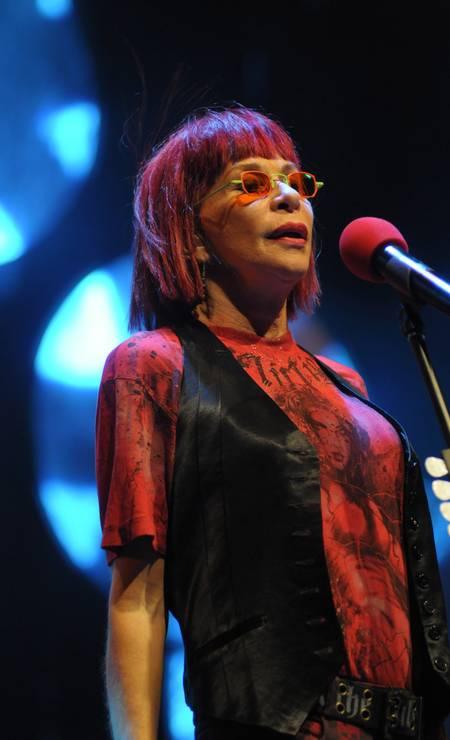 No embalo da cantora Rita Lee, fizemos nossas escolhas para as mães de 60, numa pegada hippie chique Foto: Agência O Globo