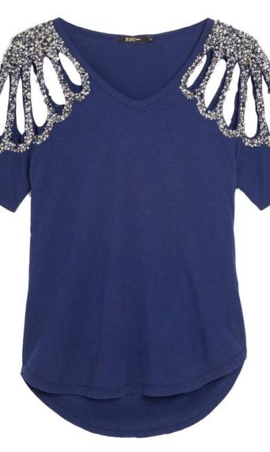 Camiseta de algodão com recorte e bordado nas mangas da Bo.Bô (www.bobo.com.br/shoponline), R$ 998 Divulgação