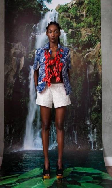 Patricia Vieira: o maxi-colar esteve presente em várias cores. O modelo é inspirado na flor de jade, tipicamente jamaicana Agência O Globo / Agência O Globo