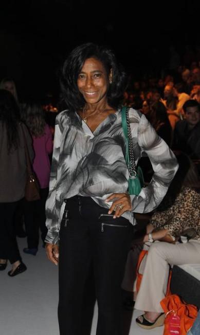 EL Rio de Janeiro (RJ) 17/04/2013 Fashion Rio Verão 2013/2014 - Desfile Lenny Niemeyer - Glória Maria - Foto Guito Moreto / Agência O Globo Guito Moreto / Agência O Globo