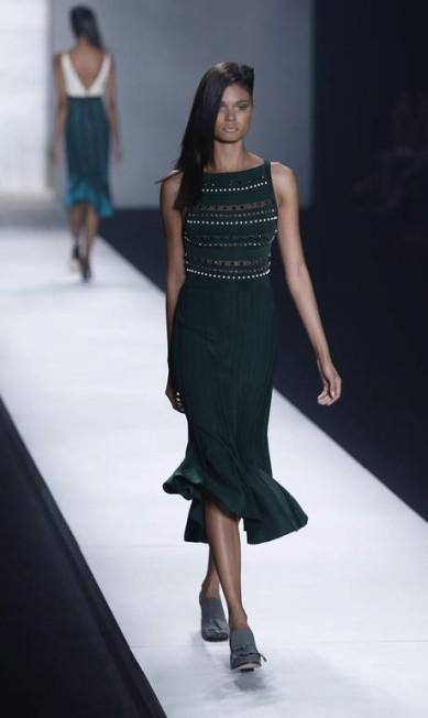 COVEN: Além da seda, o tricô também foi bastante explorado na confecção das peças Fábio Rossi/Agência O Globo
