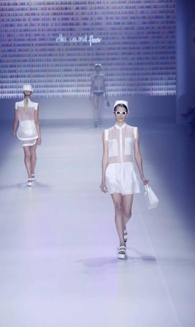 As transparências representaram o verão fresh proposto pela coleção 2013/2014 Monica Imbuzeiro / Agência O Globo