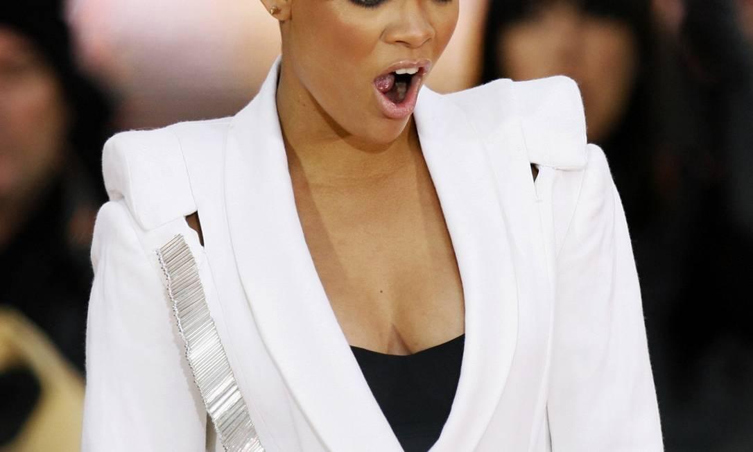 A cantora Rihanna é outra que já teve todas as cores de cabelos possíveis, além dos mais variados cortes e comprimentos Finbarr O'Reilly / REUTERS