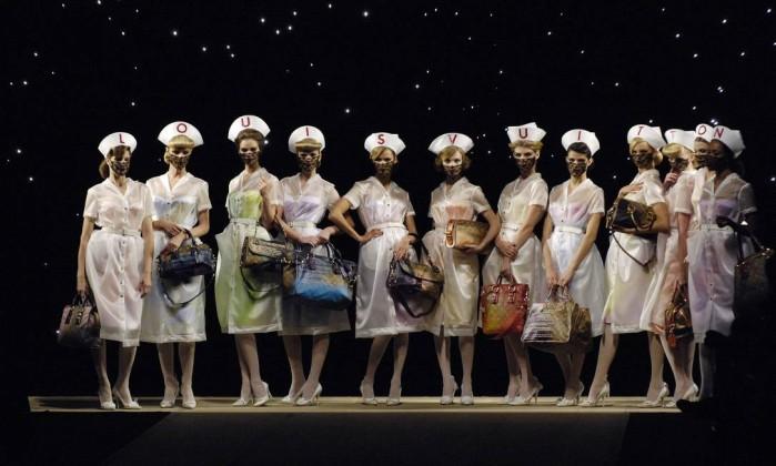A coleção de verão 2008 da Louis Vuitton foi uma das mais marcantes da trajetória de Marc Jacobs na casa francesa Gonzalo Fuentes / REUTERS
