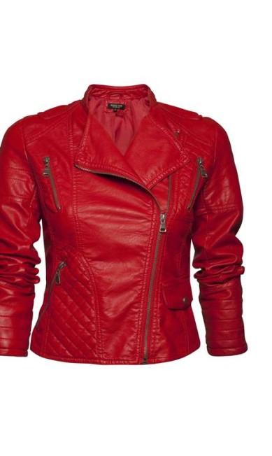 Biker vermelha com detalhes em matelassê - R$ 498 na Shop 126 de Ipanema (Rua Maria Quitéria, nº 91. Tel.: 21 2267-9593) Rodrigo Picorelli / Divulgação