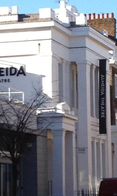 Parece familiar: Teatro Almeida na Rua Almeida, em East London Júlia Almeida