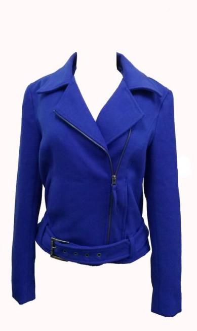 Jaqueta flanelada em azul klein - R$478,00 na FYI (Shopping Rio Design Leblon - Rua Ataulfo de Paiva, nº 270 - loja 205, 3º andar. Tel.: 21 2239-6383) Divulgação