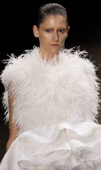 A R. Rosner apresentou roupas de festa inspiradas em princesas Andre Penner / AP