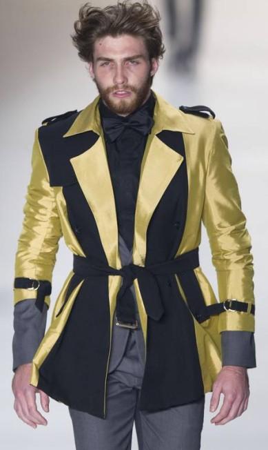 A coleção traz um guarda-roupa completo: de shorts, passando por paletós e ternos a modelos para a noite Andre Penner / AP