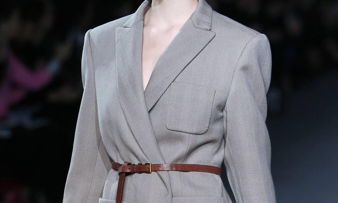 Na manhã desta quarta-feira, a Louis Vuitton mostrou bolsas confeccionadas com pele, que devem fazer a cabeça das fashionistas nos próximos meses Jacques Brinon / AP