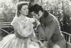 Laurence Olivier foi o primeiro ator a interpretar o galã Mr. Darcy no cinema, em 1940. O filme foi baseado no romance 'Orgulho e preconceito', lançado por Jane Austen em 1813 Foto: Terceiro / Divulgação