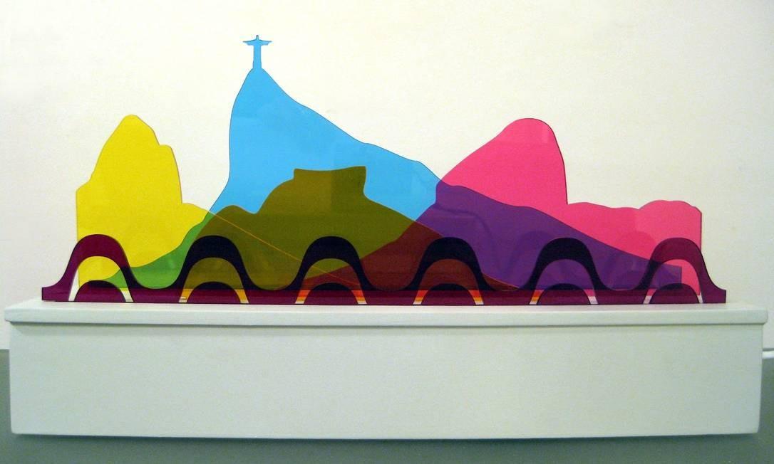 Peça desenvolvida para a exposição coletiva Criativos da Casa, no Clark Art Center em MDF, acrílico e luz (35x20x12cm), 2011 Foto: Divulgação