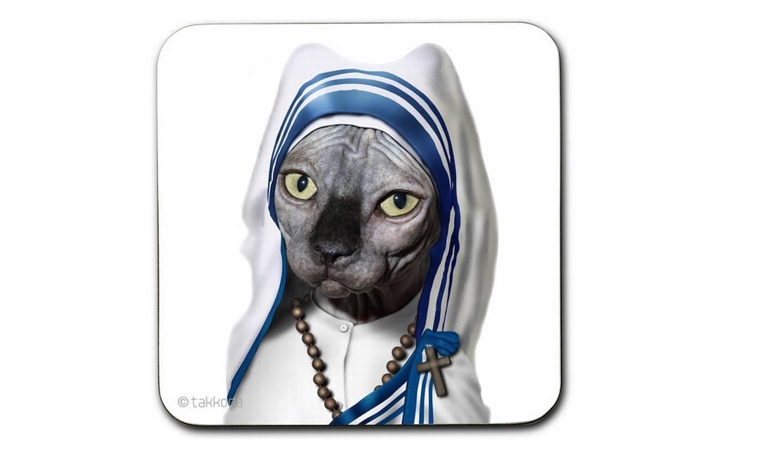 Porta-copos celebridade pet Takkoda Madre Teresa de Calcutá à venda na Papel Craft (21 2239-6347), R$ 35 Divulgação