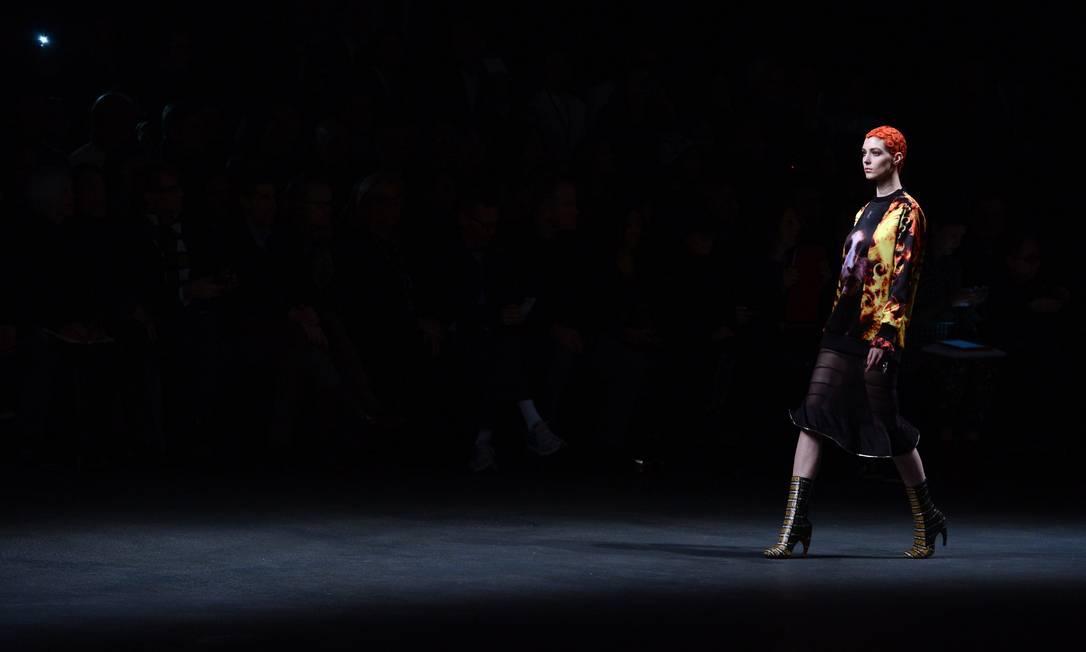 A Givenchy de Ricardo Tisci encerrou a maratona de desfiles no sexto dia da Semana de Moda de Paris MARTIN BUREAU / AFP/Martin Bureau