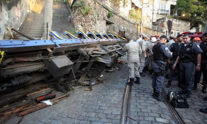 Acidente com bondinho em Santa Teresa deixa mortos e feridos. Foto de 27/08/2011 Foto: Felipe Hanower / Agência O Globo