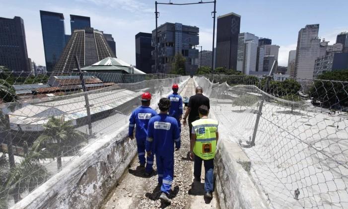 Governo anuncia o começo das obras do bonde de Santa Teresa. Na foto a obra nos arcos da Lapa em 08/11/2013 Foto: Pablo Jacob / Agência O Globo