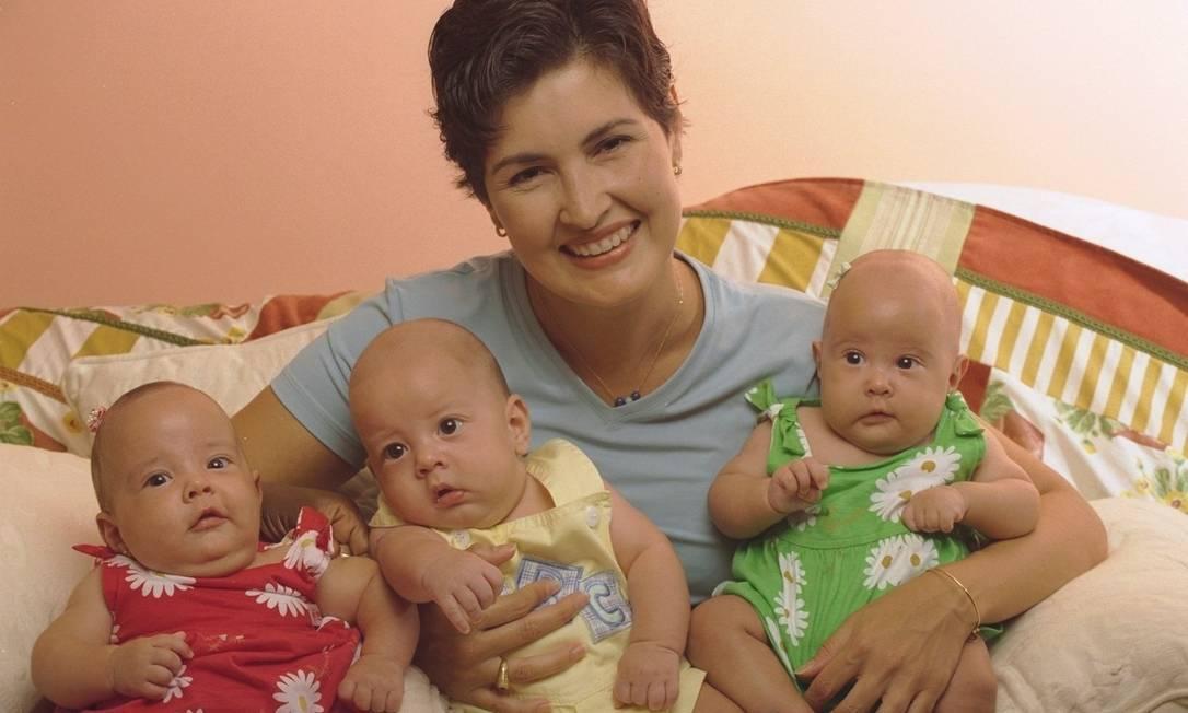 Em 1998, a mãe dos trigêmeos Laura, Vinícius e Beatriz estava numa fase joãozinho radical, com fios supercurtos Ana Branco / Ana Branco / O Globo