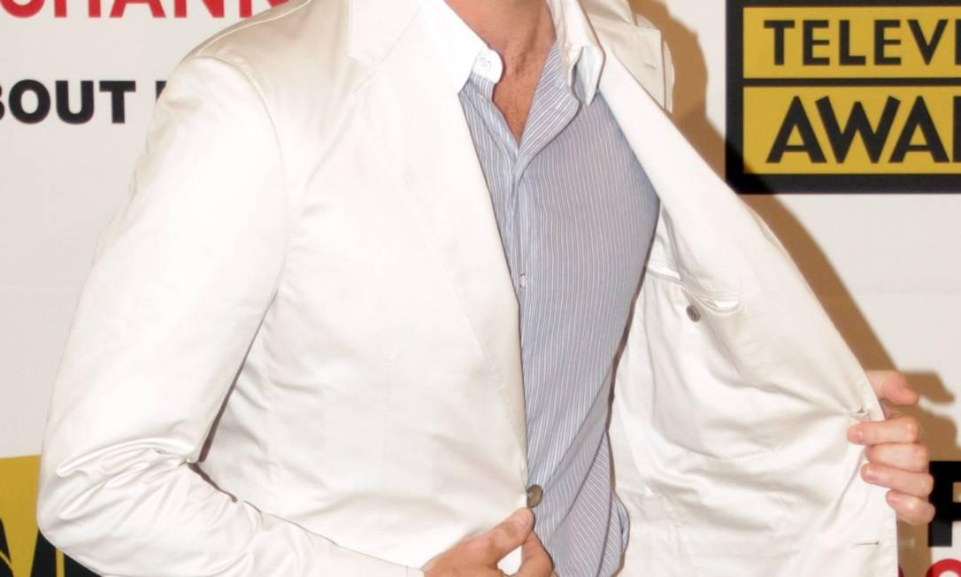 """Para aliviar a coceira que pode surgir com o crescimento dos pelos, é recomendado o uso de produtos com aloe vera, que acalmam a pele. Será que Jon Hamm, da série """"Mad Men"""", outro que vira e mexe sai barbudo por aí, sofre desse problema? Foto: JONATHAN ALCORN / AFP PHOTO / JONATHAN ALCORN"""