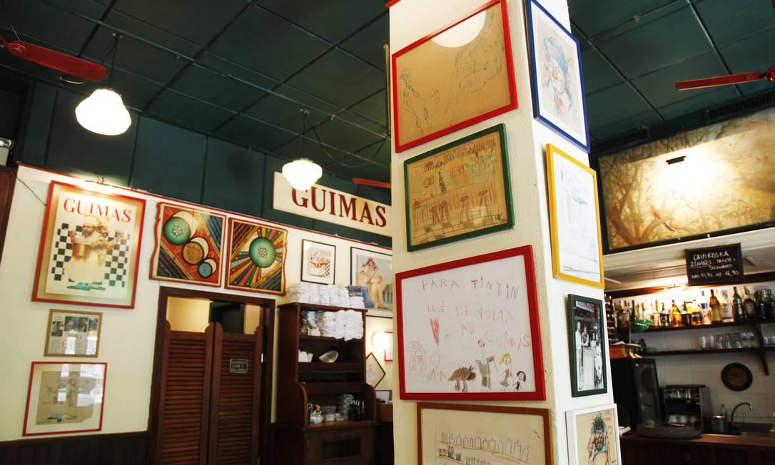 Pelas paredes, desenhos de Roberto Magalhães, Angelo de Aquino, Millôr... Ana Branco / Ana Branco/ O Globo
