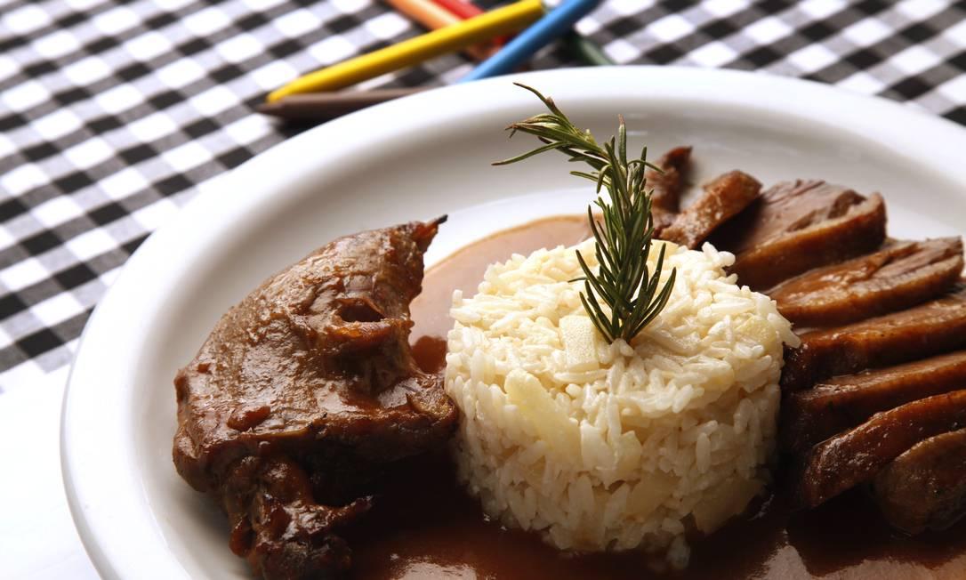 O tradicional pato com arroz piamontese Ana Branco / Ana Branco/ O Globo