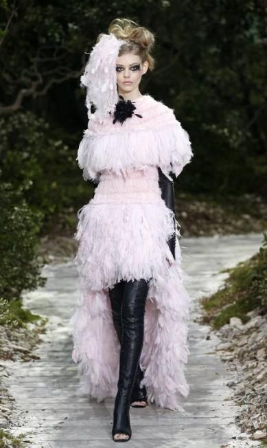 Além da Versace, a Chanel também apostou no mullet BENOIT TESSIER / REUTERS