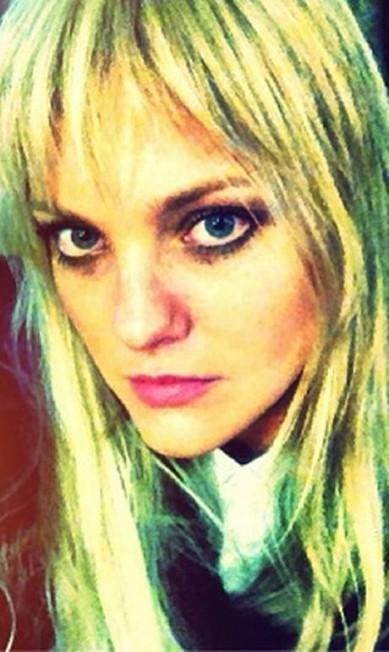 A top Carol Trentini foi outra que adotou o look recentemente Reprodução