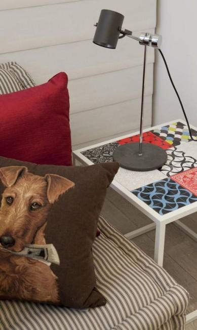 Tampo da mesa com azulejos, da Pavão Revestimentos Terceiro / Ana Branco / O Globo