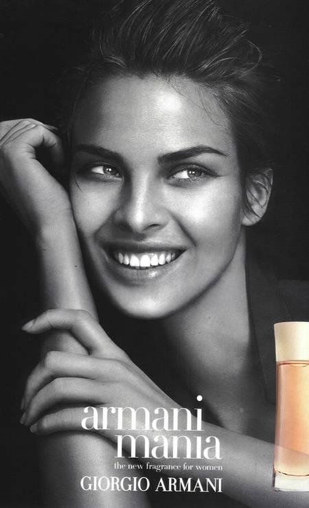 Letícia chegou a estrelar campanha de perfume para Giorgio Armani no começo dos anos 2000 Foto: Reprodução