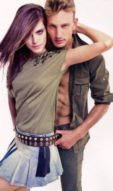 Ao lado da modelo Renata Sozzi, Alex estrelou uma campanha para a grife M. Officer Reprodução