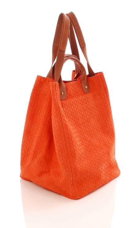Bolsa Orange Sophia Gomes (21 3326-7012), de R$ 489 por R$ 342,30 Foto: Divulgação