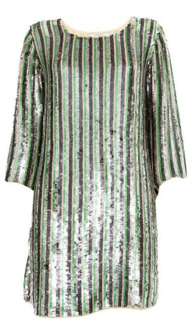 Vestido de paetês listrado da Ateen (21 2540-5957), de R$ 2.300 por R$ 1.380. A marca liquida toda a coleção de verão com redução de 40%, e ainda desconto adicional de 10% nos pagamentos à vista, chegando a 50% Divulgação