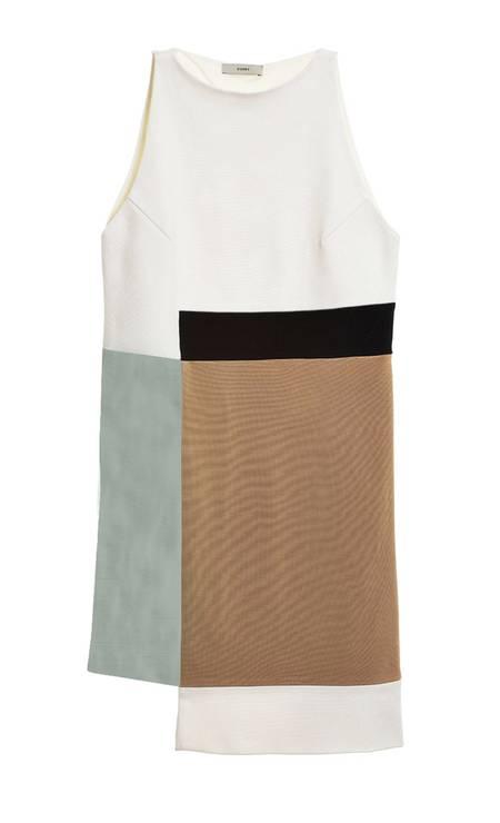 Vestido Egray na Dona Coisa (21 2249-2336), de R$ 1.810 por R$ 1.000. A multimarcas está com descontos de até 60% Foto: Divulgação