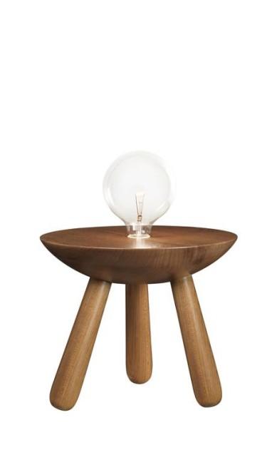Luminária Tigela de Pé, inspirada no banco de Sérgio Rodrigues, tem design Guilherme Leite Ribeiro e André Bastos da Nada Se Leva à venda na La Lampe (21 3222-9300), de R$ 2.495 por R$ 1.247 Thiago Calazans / Divulgação